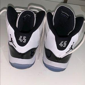 Jordan Shoes - Concord 11s